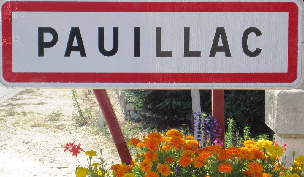Pauillac, luxury in the Gironde left side