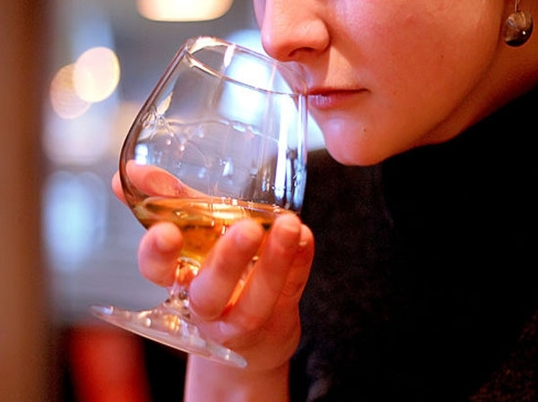 How to taste whisky like an expert (III)
