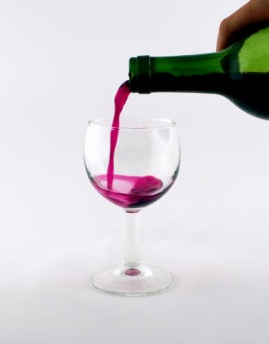 Red wine may slow lung cancer