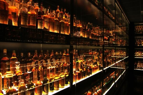¿Why investors are moving from wine to whisky?