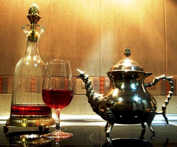 Wine and tea, a recipe for a longer life