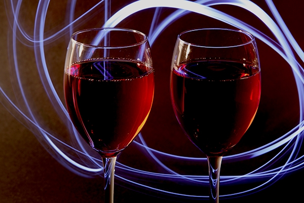 How many calories are in a glass of wine?