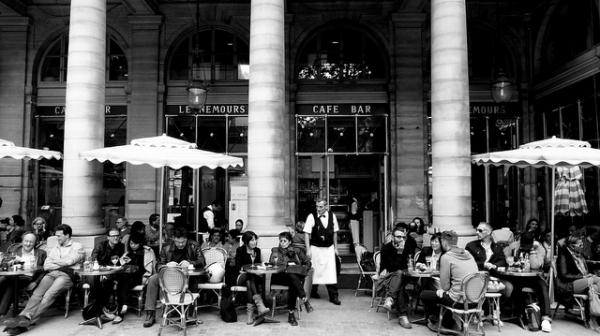 Bars to drink good wine in Paris