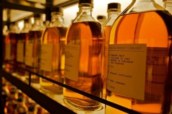 Whiskey or whisky? The origin of the words