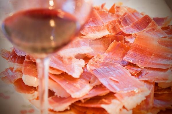 Tips on pairing wine and cured meat