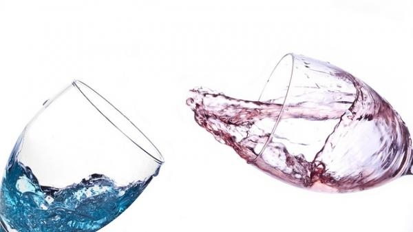 "And you, what do you think of the ""blue wine""?"
