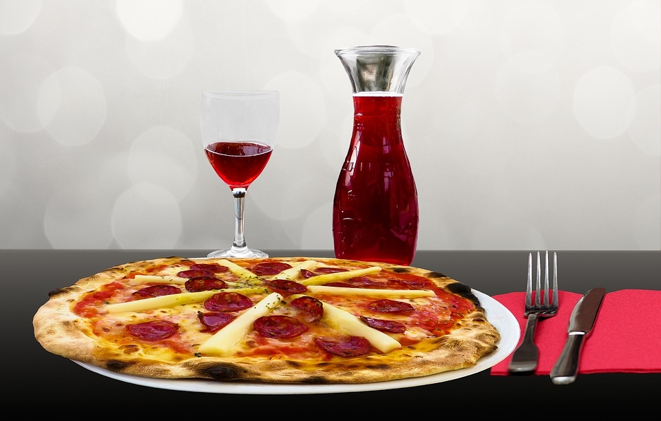 3 Best Wines to Pair with Pizza and Your Friday Night Dinner Date