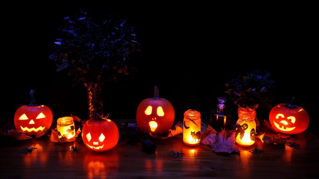 5 scariest drinks to spice-up your Halloween - Drinks&Co