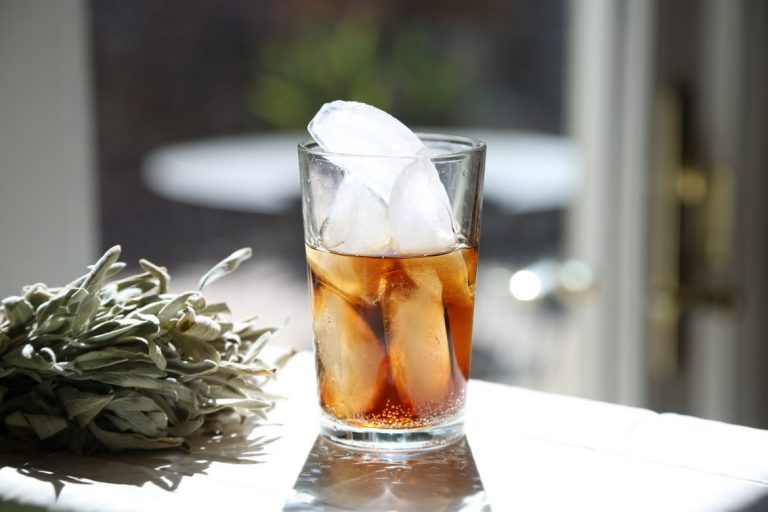Father's Day drinks - Rum with ice