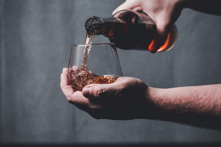 Father's Day Drinks - Whisky for traditional and sophisticated dads